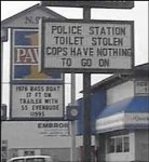 funny_signs_8_Funny_street_signs-s300x327-10070-580.jpg